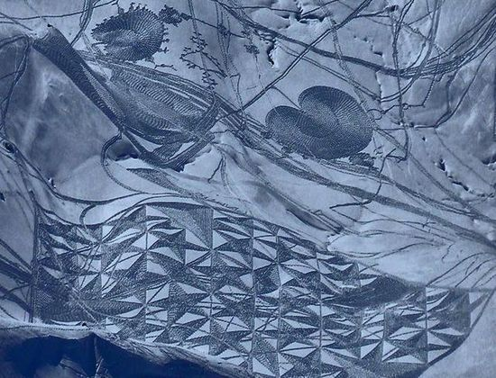6a00d83453140969e20167688cb8e9970b 640wi Художник ногами рисует гигантские картины в снегу
