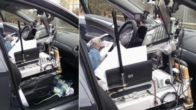 original Немец устроил офис прямо в машине