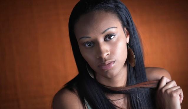 o HAIR EXERCISE 570 Афроамериканки не занимаются физическими упражнениями из страха повредить прическу
