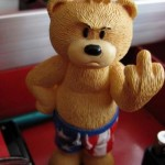 Teddy Bears Middle Finger 485x728 150x150 Индус хотел жениться на кобре
