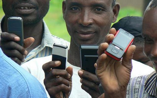Власти Нигерии раздадут фермерам 10 миллионов бесплатных «мобильников»