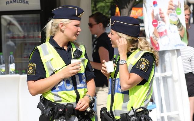 Разыскиваемого шведа не пустили в полицейский участок