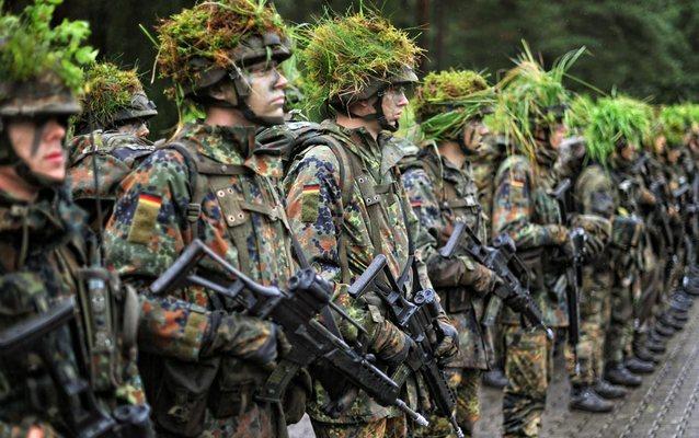Wehrpflicht 1024 dpa 13 Министр обороны ФРГ солдатам: Хватит ныть!