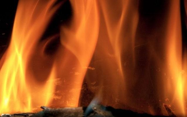 fire 3 Норвежский телеканал 12 часов транслировал горящий камин