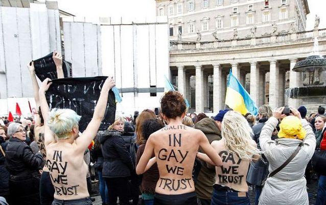 Ватиканские священники живут в доме с гей-сауной