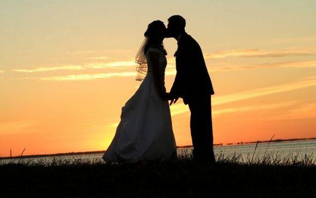 1035279 f520 Невеста потребовала, чтобы жених взял в жены ее подруг