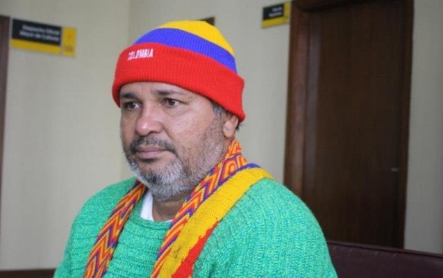 Поэт из Колумбии продает свои яички ради путешествия по Европе