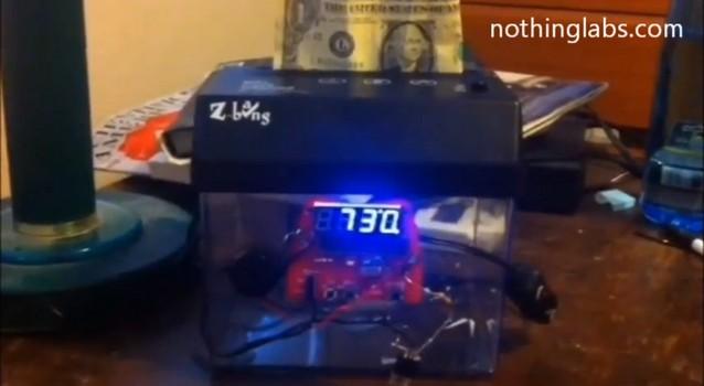 В США изобрели будильник для измельчения банкнот